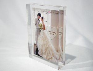 特別な日のための贈り物 色褪せない美しい思い出を、Qualia(クオリア)に。 結婚式のウェルカムボード ご両親へのウエディングギフト 二人だけの結婚記念プレート 新郎新婦へのプレゼント